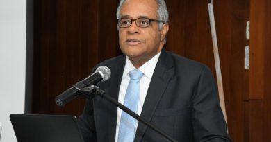 Exministro de Salud dice RD debe exigir pruebas PCR para los que entran al país
