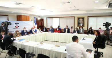 Diputados inician entrevistas a postulantes para Defensor del Pueblo y sus Adjuntos