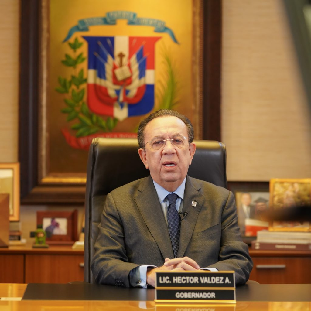 Gobernador Valdez Albizu anuncia la Estrategia Nacional de Inclusión Financiera (ENIF)