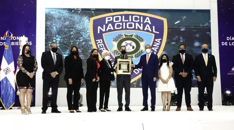 Gobierno reconoce Policía Nacional por manejo de procesos institucionales