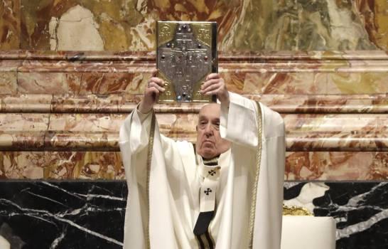 Papa oficia misa de Jueves Santo, no estará en Última Cena